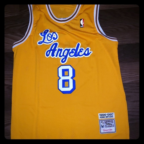 best service 1e024 1802c Mitchell and Ness Kobe Bryant Throwback Jersey NWT NWT